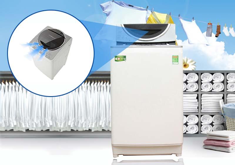 Cùng với hệ thống khe hút khí vòng cung, máy giặt Toshiba AW-DE1100GV(WS) sẽ có khả năng vắt cực khô