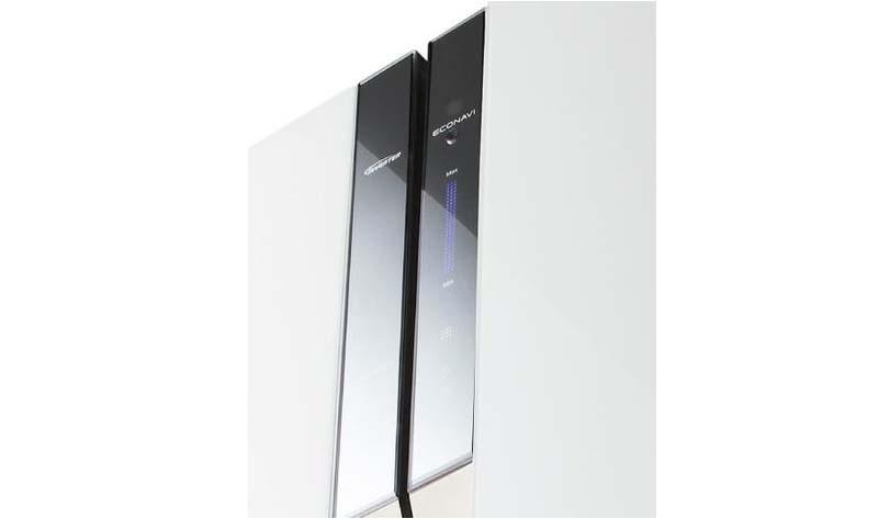 Sở hữu bảng điều khiển cảm ứng, bạn sẽ dễ dàng điều chỉnh nhiệt độ và các chế độ của tủ lạnh Panasonic NR-CY557GKVN một cách nhanh chóng