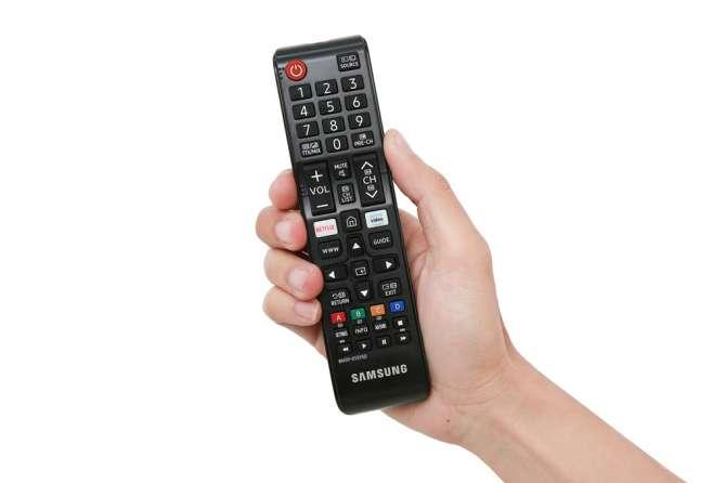 9-smart-tivi-samsung-4k-50-inch-ua50ru7100